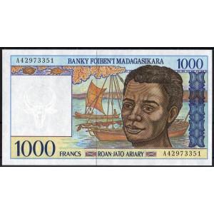 Мадагаскар 1000 франков 1994 - UNC